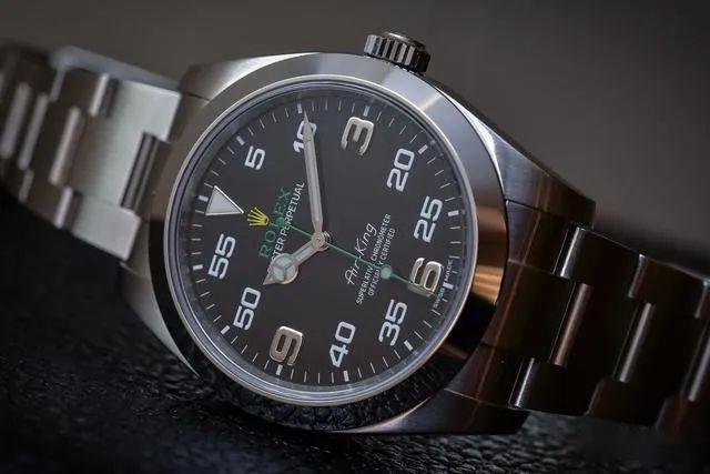 手表防水的常见误区和进水后的维修小技巧